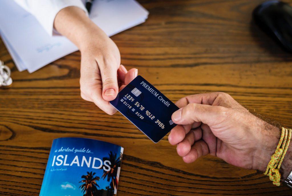 Disadvantages ng pagkakaroon ng rewards card o loyalty card